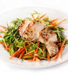 Dienos sriuba + Morkų ir salierų salotos su vištiena