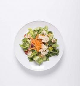 Žaliosios salotos su kepintų sėklų mišiniu