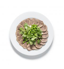 Beef tongue with horseradish cream and green peas